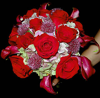 Redrose,hydrangea,allium stem bouquet