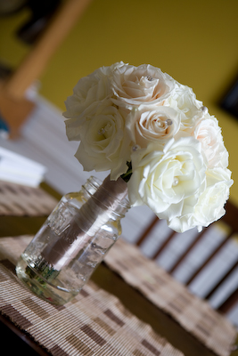 white and cream rose bouquet